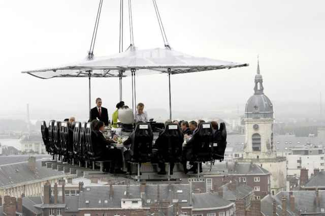 Now This is Extreme Dining - Amazing!