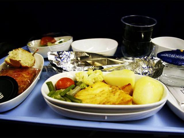 airline food photos