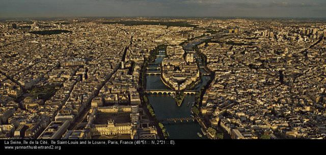 photos of Paris from above