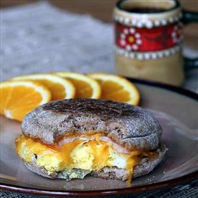 Make Marvelous Egg McMuffins for Breakfast! | Recipes & Drinks ...