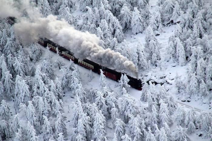 12 Trains