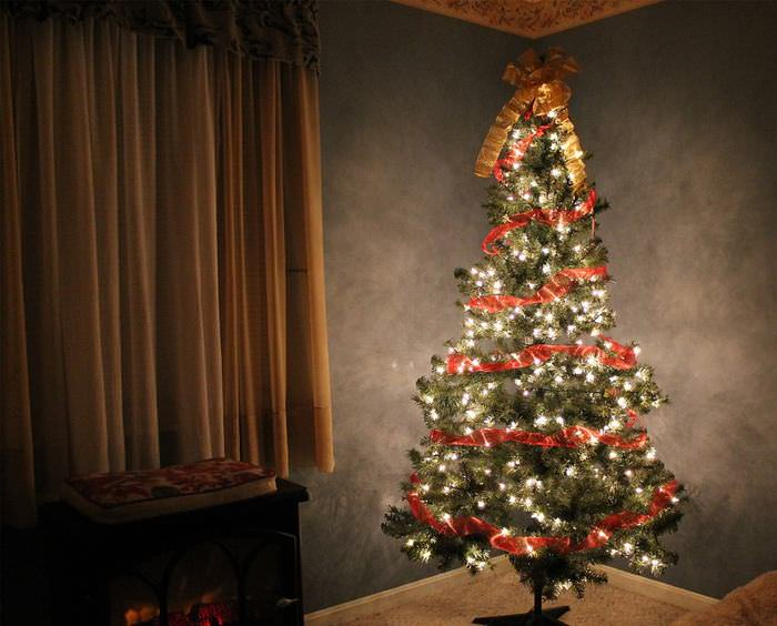 7 Ways to Make Your Real Christmas Tree Last Longer