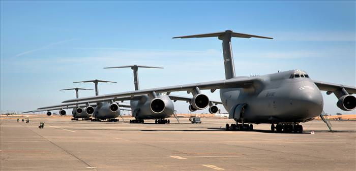 Largest-Airplanes-Ever-2