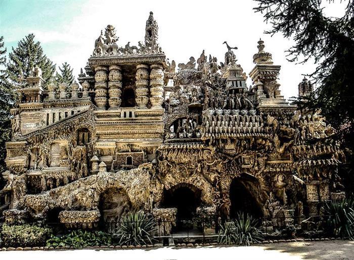 pebble palace
