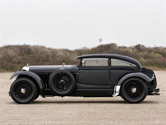 the bentley speed six is returned to form wheels air water babamail. Black Bedroom Furniture Sets. Home Design Ideas