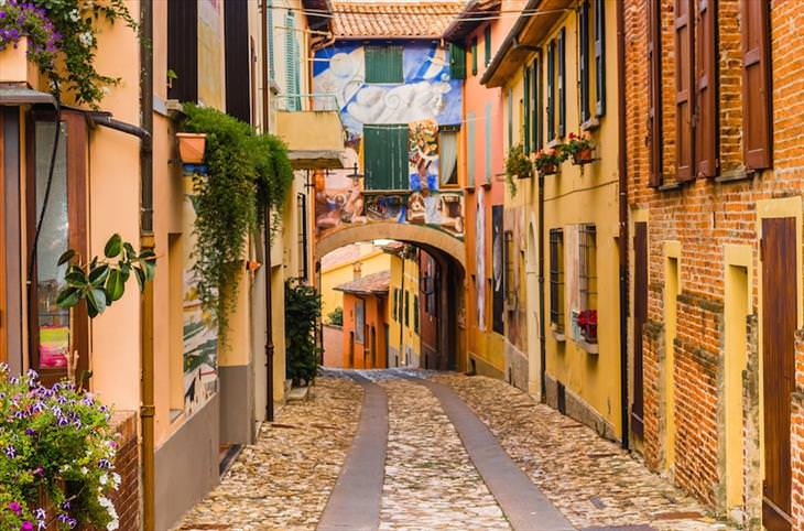 10 Gorgeous Small Towns In Italy Travel Babamail