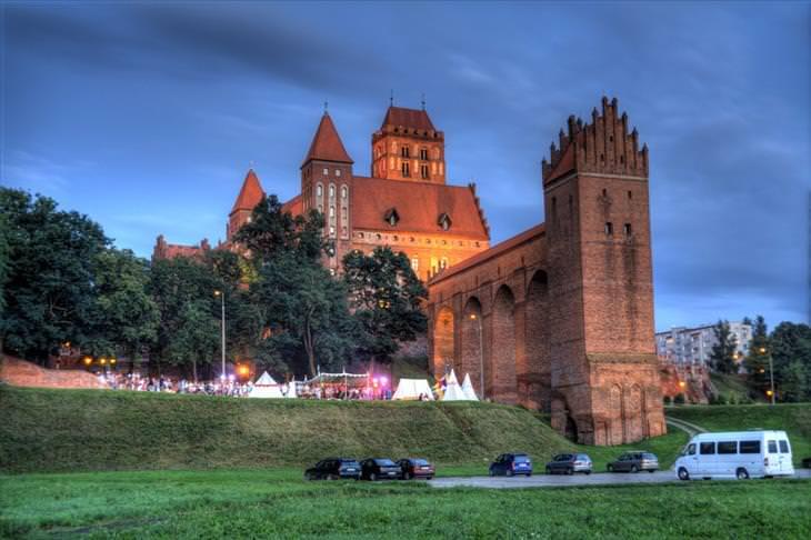 Poland, castles