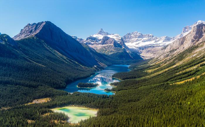 The Gorgeous Canadian Rockies are Waiting For You...