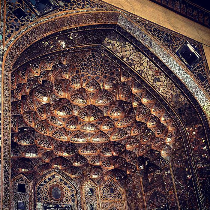 The Ceiling Of Iran's Mosques Are Nothing Short of Mesmerizing...
