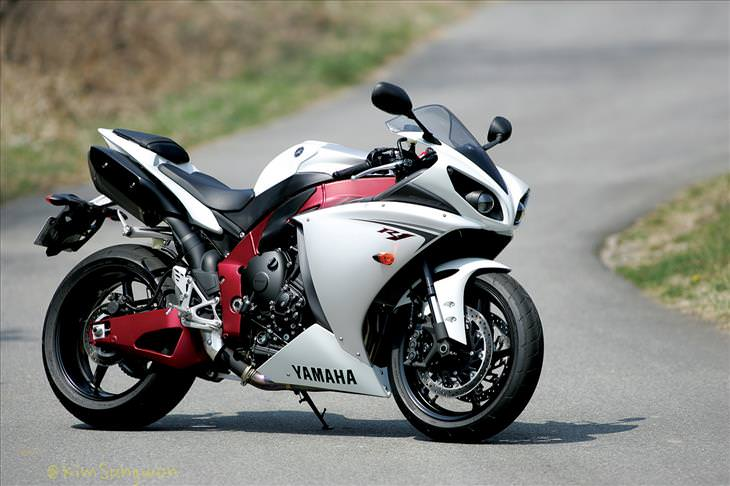 The Top 11 Fastest Motorbikes in the World | Wheels, Air & Water - BabaMail