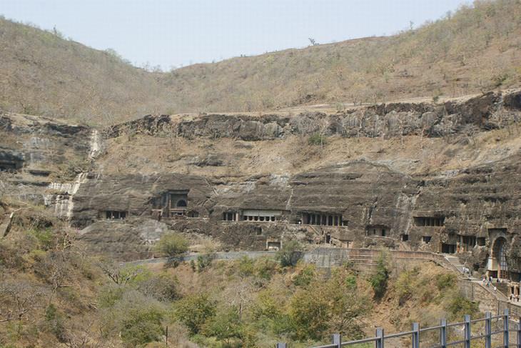 photos of ajanta caves