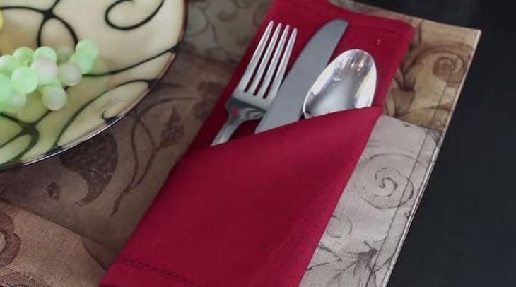holiday-napkin-techniques
