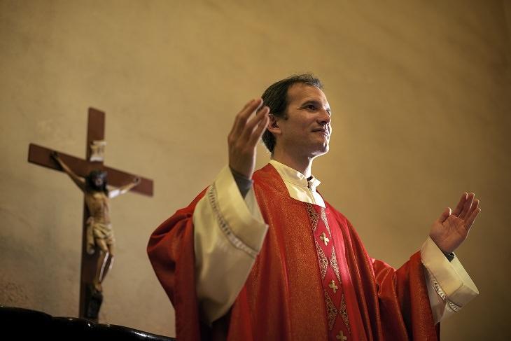 Funny - Joke - Priest