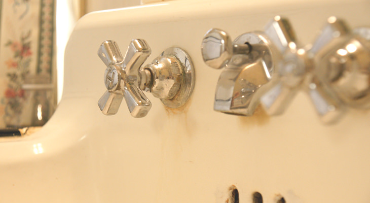 4-steps-cleaning-sink