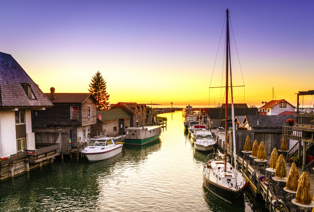 18 of the coolest towns in the usa travel babamail for Fish town usa