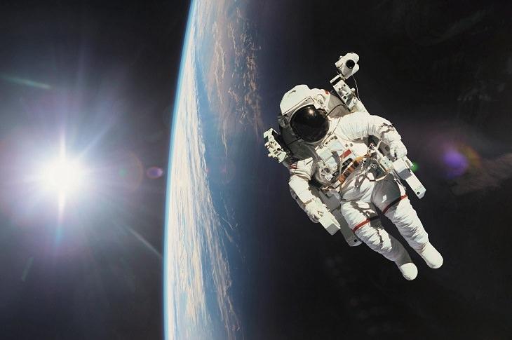 Univers, mystères de la gravité