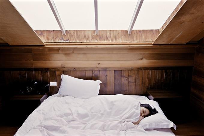 sleeping under skylight