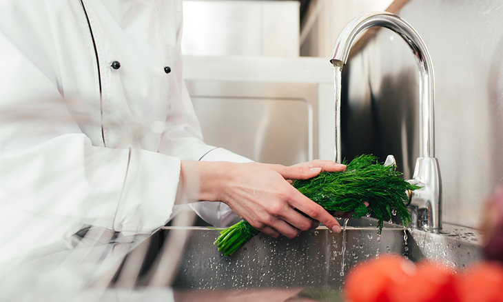 Fresh Herbs Should Always Be Washed With Cool Water And Dried Properly To Rid Them Of Excess Moisture Which Could Lead Decay There Are Two Ways You Can