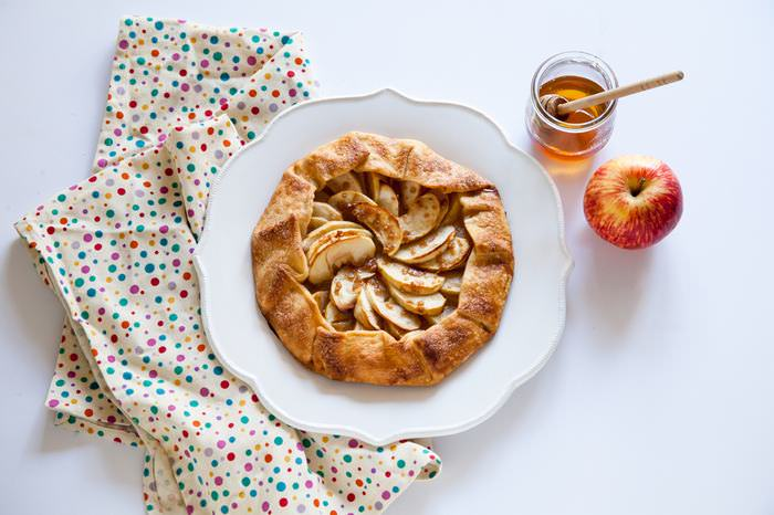 How to Make an Apple Galette Snack | Food & Drinks - BabaMail