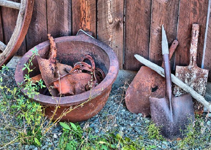Ways of removing rust from metal objects at home | Tips ...