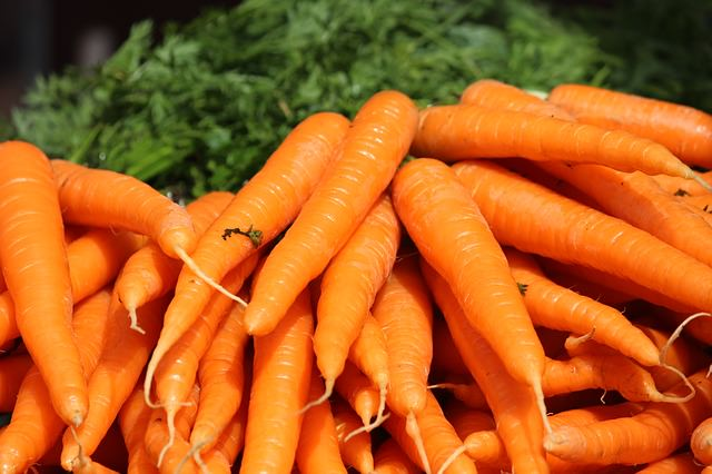 12 Super Foods That Slow Down the Aging Process | Health