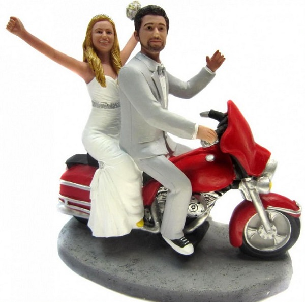 funny motorbike wedding cake topper 16 wedding cake toppers that ll make you laugh 14558