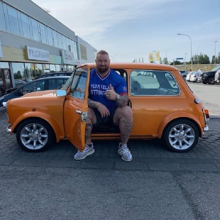 difference in comparison of random things, Actor who plays the Mountain in Game of Thrones sitting in an Orange Car