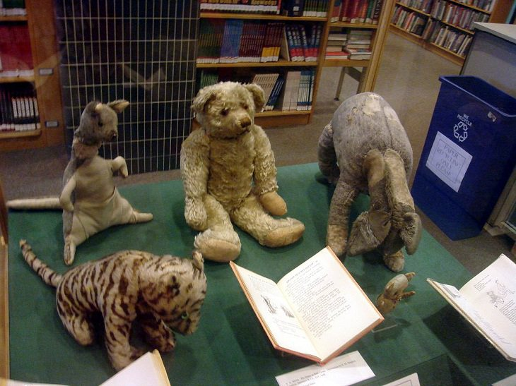 Interesting Things Only Found on Earth, The original Winnie the Pooh and all his friends (Tigger, Kanga, Eeyore and Piglet) gifted by A.A. Milne, author of Winnie the Pooh to his son Christopher Robin Milne, who later donated them to the New York Public Library