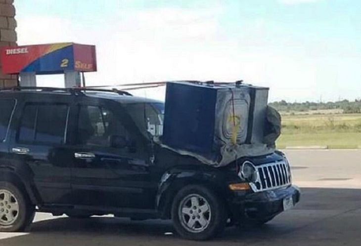 Crazy crashes and incidents from the worst drivers of all time