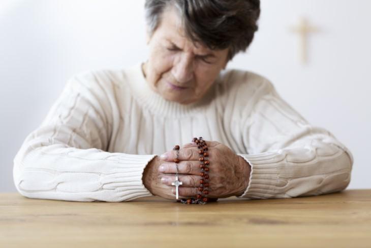 joke old religious woman