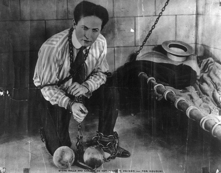 Harry Houdini,  Magician, Illusionist, Art, Magic Trick, Mentalist, Escape artist