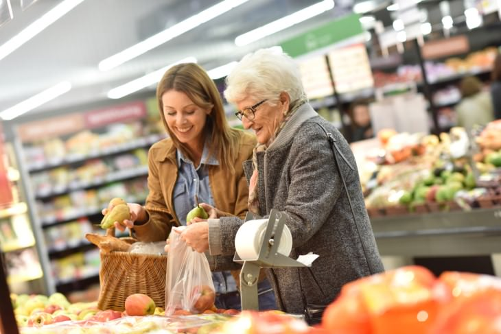 joke old woman and young woman in supermarket