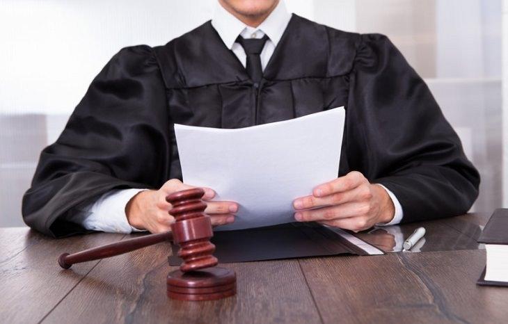 joke judge at trial