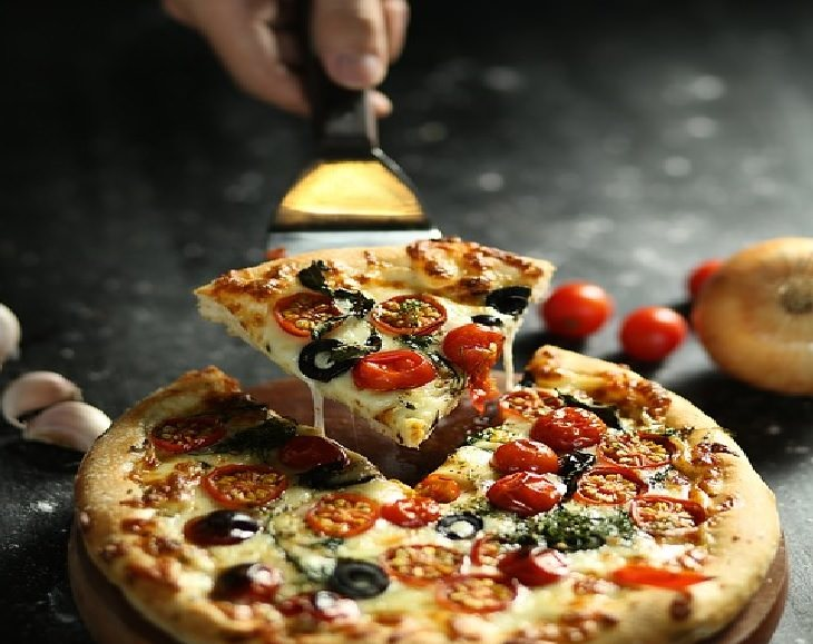 Pizza Hut, travel, company, tips and information, origins, fast food, start,