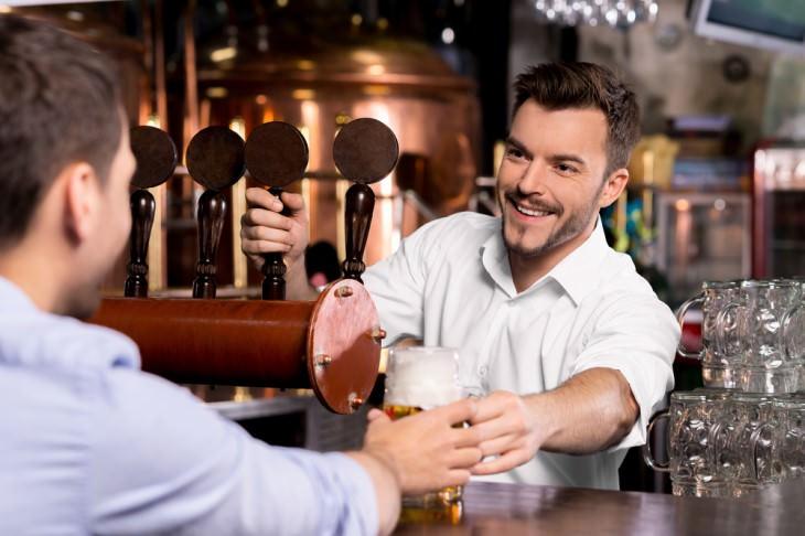joke bartender and man