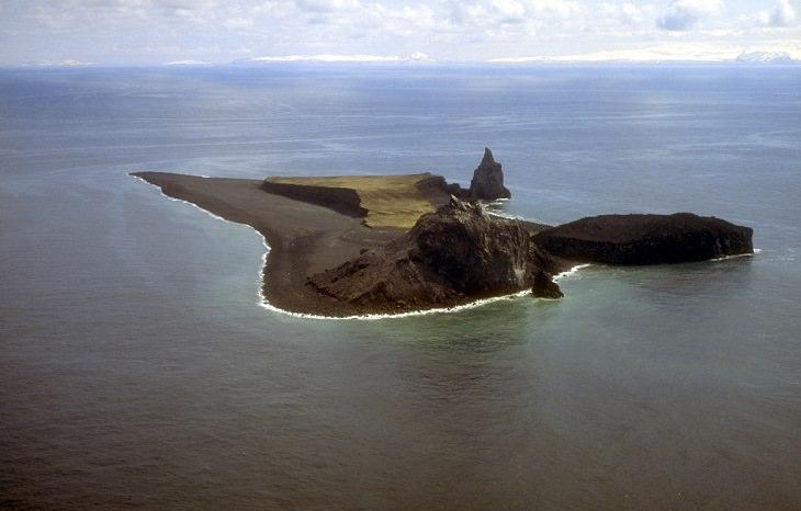 nature, travel, Volcanoes, eruption, united states of america, tourist, activities, hiking, camping, skiing, climbing,