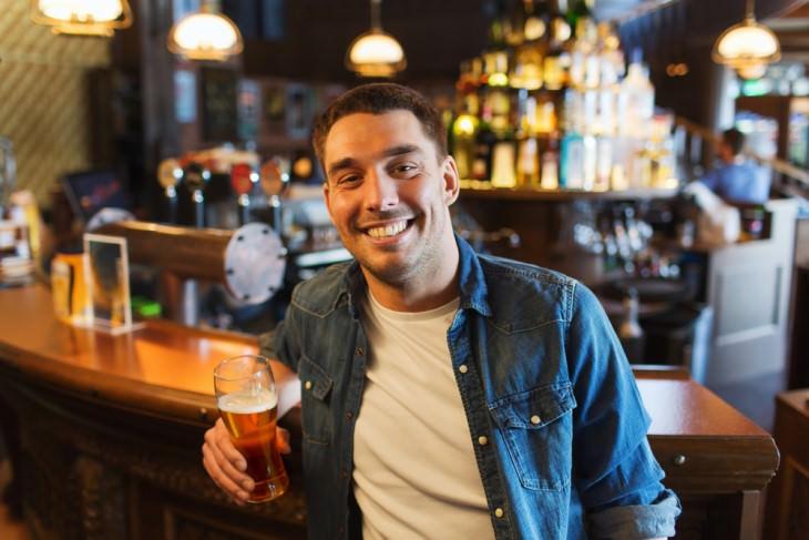 joke irishman at pub drinking