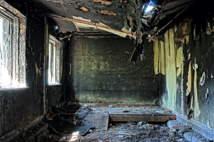 4 Infamous Unsolved Mysteries in History, burned down house