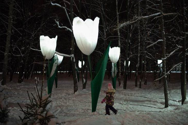 Smart, beautiful, innovative, and unique designs found in cities around the world, Streetlights in Portugal that look like giant tulips