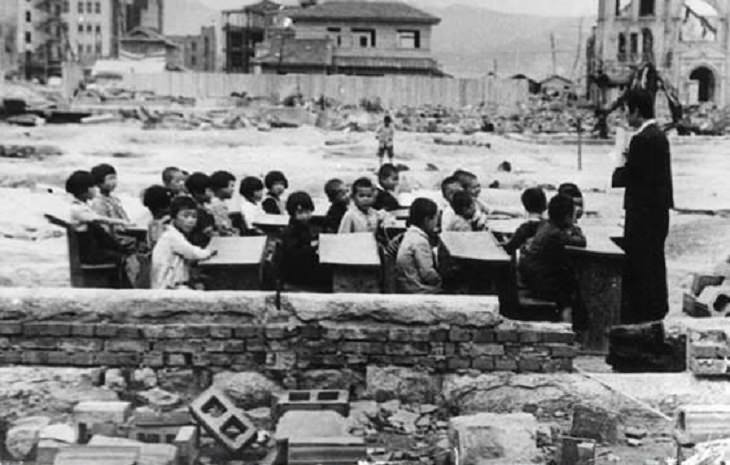 Historical photographs, Children being taught in Japan a month after the bombing of Hiroshima, 1945
