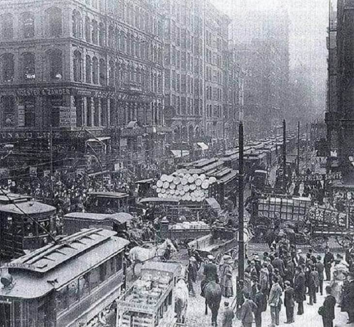 Historical photographs, What rush hour in New York City used to look like, 1909