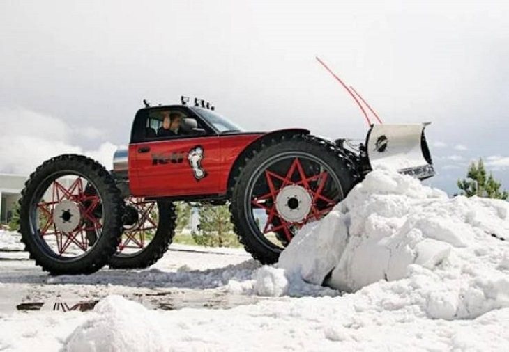 Makeshift, unique, and creative snowplows, The monster truck snowplow