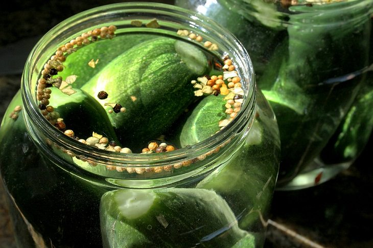 Long-lasting food items Pickles