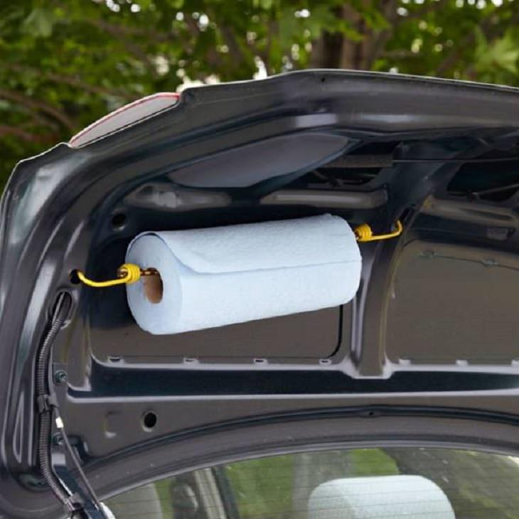 Handy tips and tricks for every car owner and driver, Hook in the trunk for paper towels