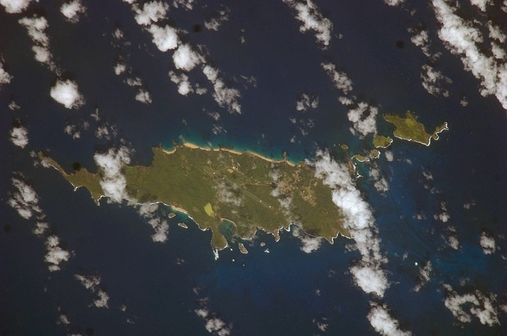 Beautiful historic sights, ruins and the many beaches of Fernando de Noronha in Pernambuco, Brazil, UNESCO World Heritage Site since 2001, A satellite image of the district of Fernando de Noronha