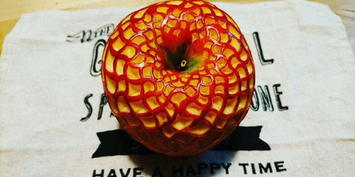 Incredible works of art carved into fruits and vegetables from Japanese artist Gaku, using traditional Japanese art of food carving, Mukimono