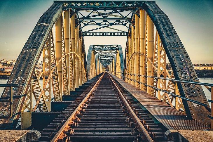 Weirdest, strangest and most bizarre things ever stolen, 10 ton steel bridge and railway tracks in Slavkov, Czech Republic