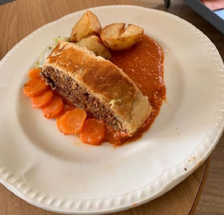 Delicious and healthy dishes made by Chef Kevin for nursing home, retirement home, care facility in Perthshire, Scotland, Vegetarian Wellington