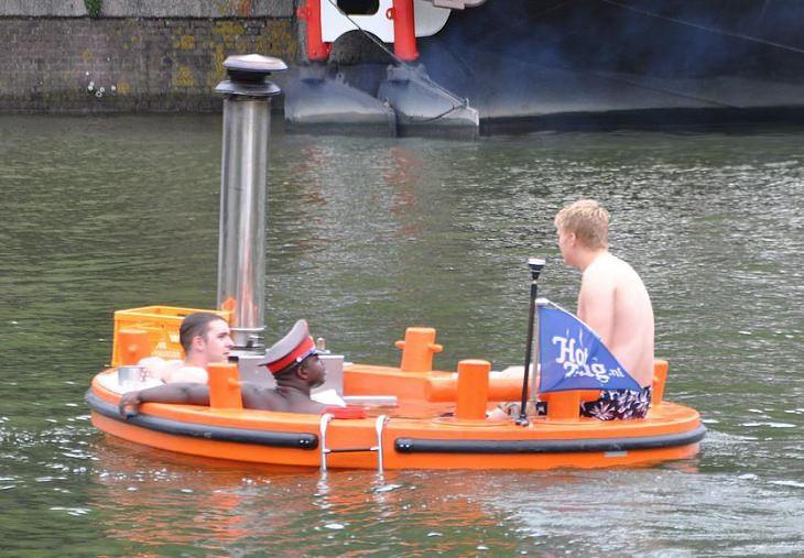 Unique and bizarre designs for boats, watercrafts, ships, yachts and other water vehicles, The 'Hot Tug' Hot Tub Boat
