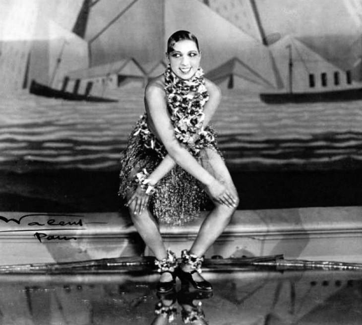 Josephine Baker: Siren of the Resistance, young Josephine Baker doing the charleston on a stage